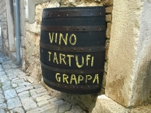 Vin, grapa si trufe