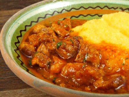 Tocana de legume cu carne