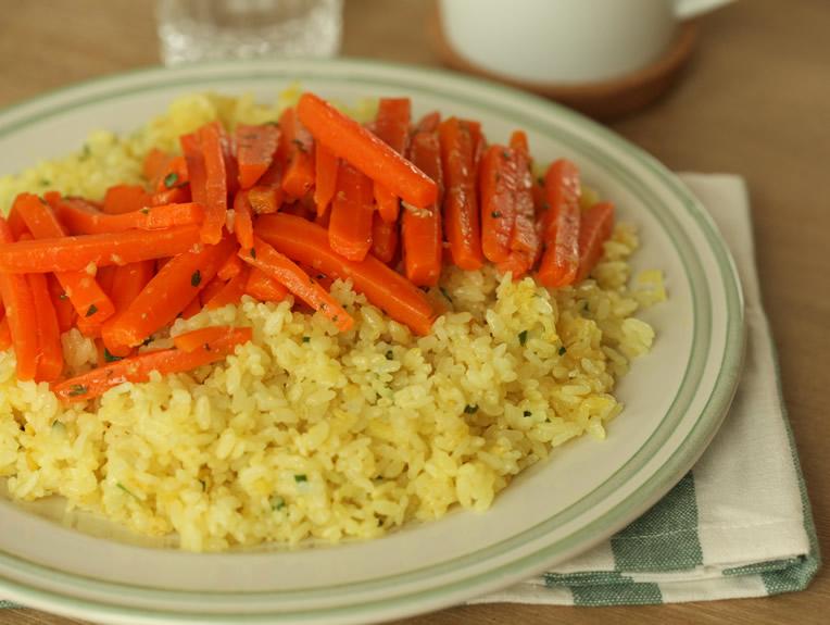 orez-cu-curry-si-morcovi